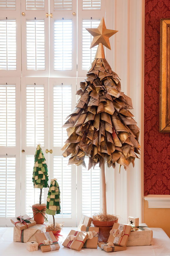 Newspaper-Christmas-Tree