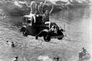 retro-photo-Driving-Across-the-Pudding-River