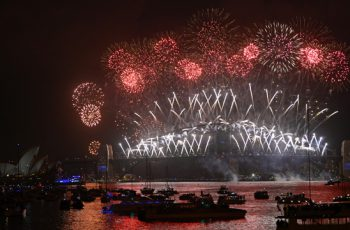 New-Year's-Eve-fireworks-erupt-over-Sydney's-iconic-Harbour-Bridge