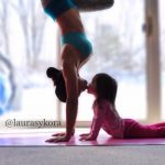 Mother And 4-Year-Old Daughter Take Adorable Pictures Of Their Impressive Yoga Poses