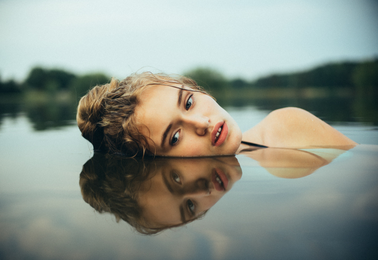 Intimate Portraits of Women by Photographer Bleeblu 1