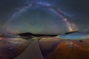 photographs-yellowstone-park-at night-david-lane 1