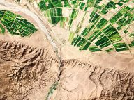 Awesome iPhone Wallpapers Made From Satellite Imagery Of Earth