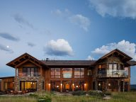 Amazing Wooden Two-storey Rabbit Brush Residence