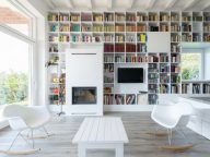 10 Rooms With Floor-To-Ceiling Bookshelves That Will Inspire You