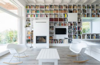 Rooms With Floor-To-Ceiling Shelves That Will Inspire You 7