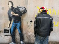 Powerful new Banksy provides Steve Jobs artwork to highlight migrant crisis