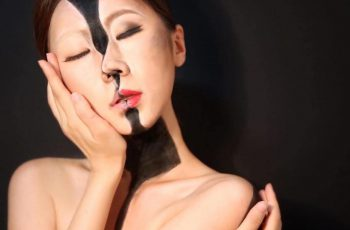 Body into Mind-Bending Optical Illusions by Using Makeup and Watercolours 1