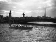 20 Stunning Vintage Photos Of Paris In The 1920s