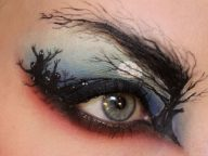 30 Spooky Eye Makeup Designs For This Halloween