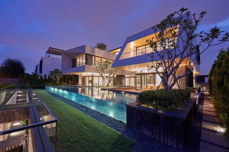 2017 Contemporary Waterfront House in Singapore