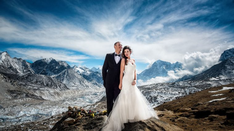 Couple Gets Married on Mount Everest Epic Wedding Photography