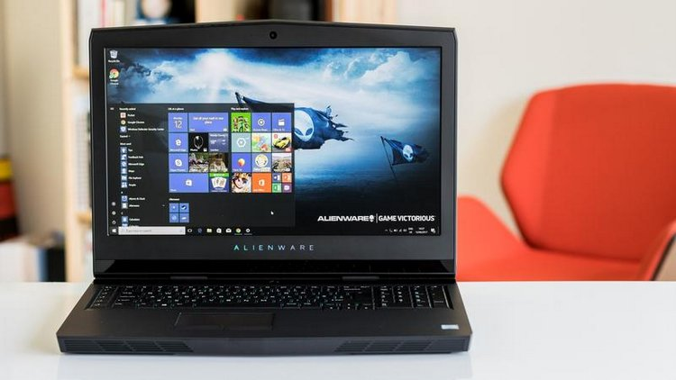 10 Best Gaming Laptops Reviews-Alienware 17 R4