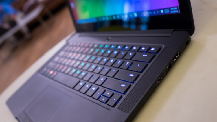 10 Best Gaming Laptops Reviews-Razer Blade